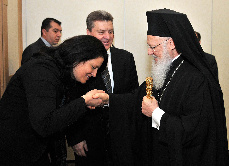 Иванова: Да се биде верник, не значи да се биде конзервативен