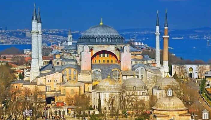 """Париз изрази жалење за одлуката на Турција за измена на статусот на """"Света Софија"""""""