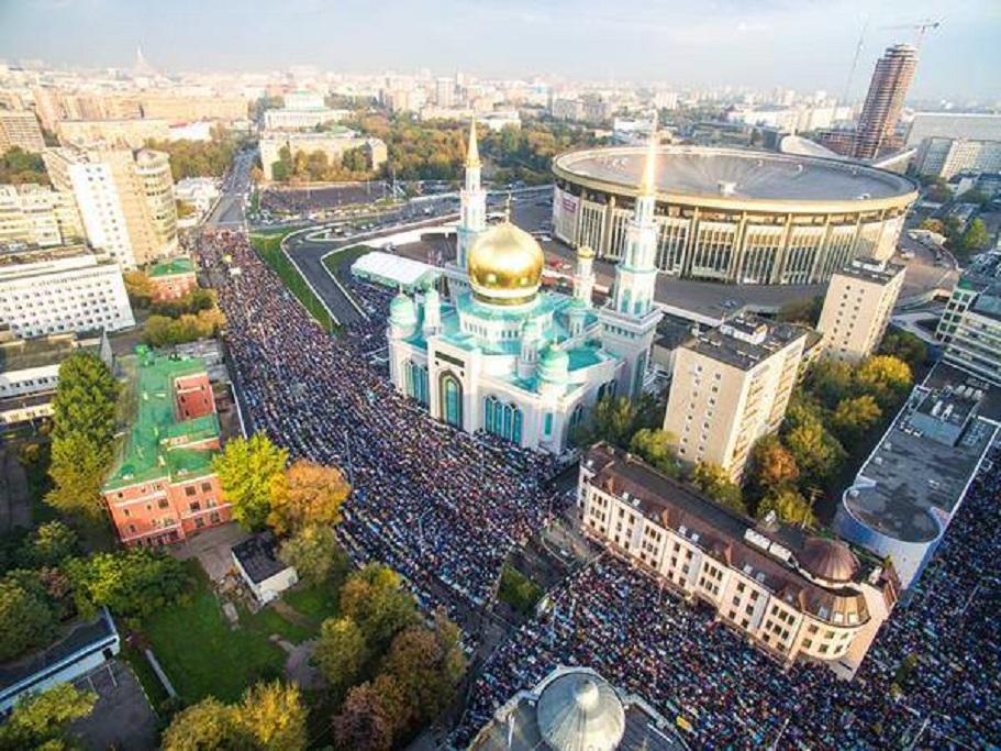 Намаз молитва во Москва