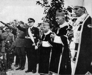 Крајно десно. Степинац на погребот на Претседателот на Соборот на НДХ 1944