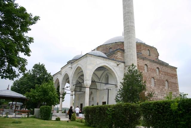 Најстариот имам ја доби најголемата џамија