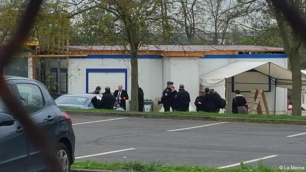 Франција затвори џамија во близина на Париз