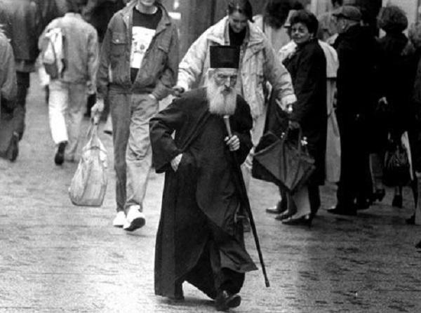 """Патријархот Павле и """"скромните"""" владици"""