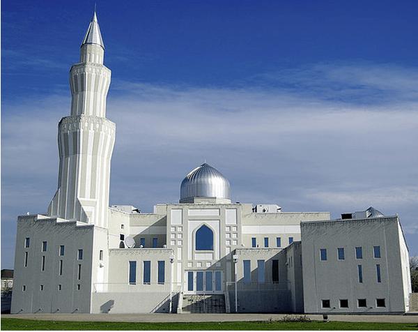Нур Џамијата (Алберта, Канада)