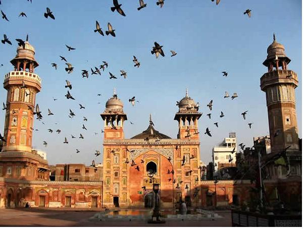 Џамијата Вазир Кан (Лахоре, Пакистан)