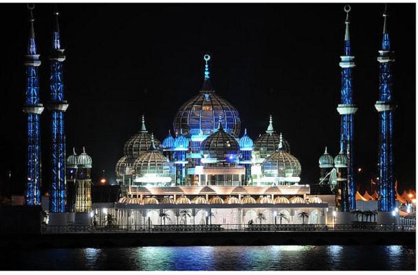 Кристалната Џамија 2 (Теренгану, Малезија)