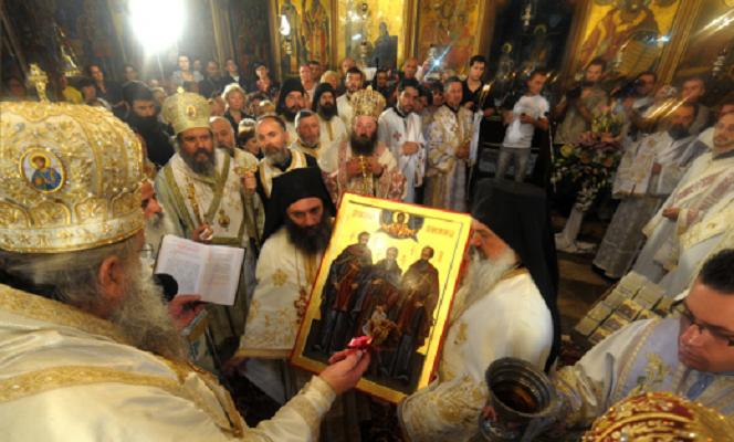 Големо сеноќно бдение на 8 април во Пресвета Богородица во Скопје
