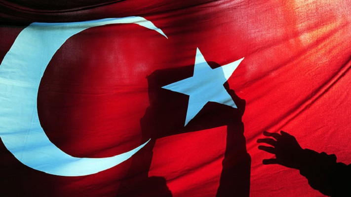 Давутоглу смирува: Турција останува секуларна