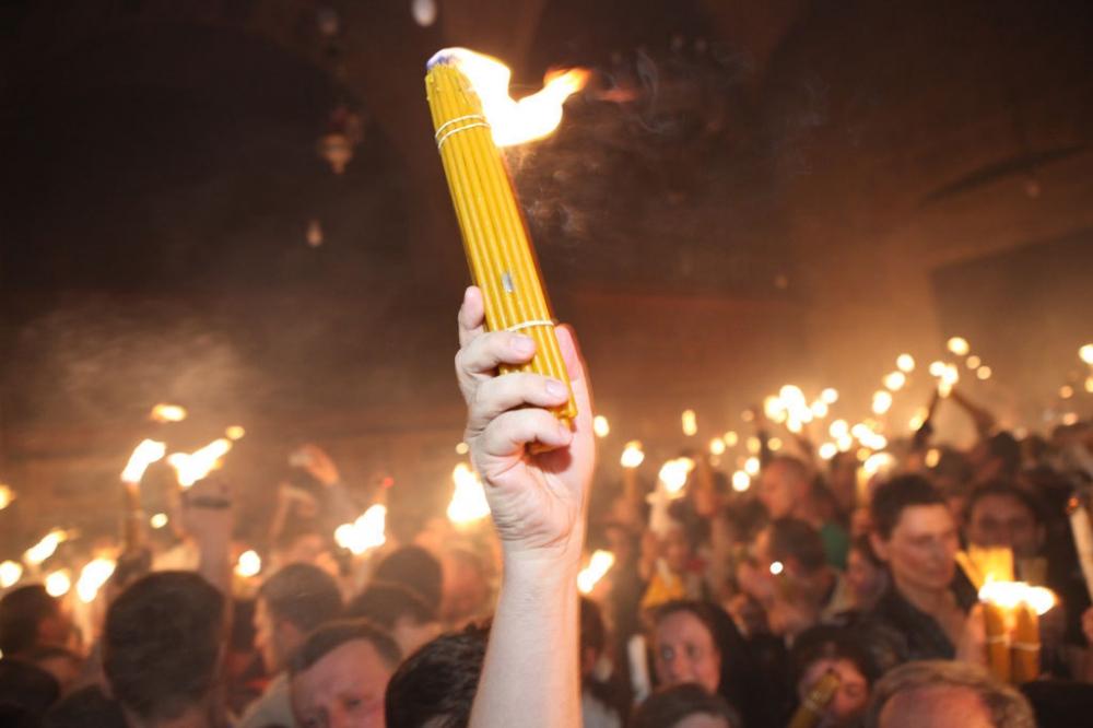 Благодатниот оган годинава во Македонија ќе стаса преку Бугарската Црква