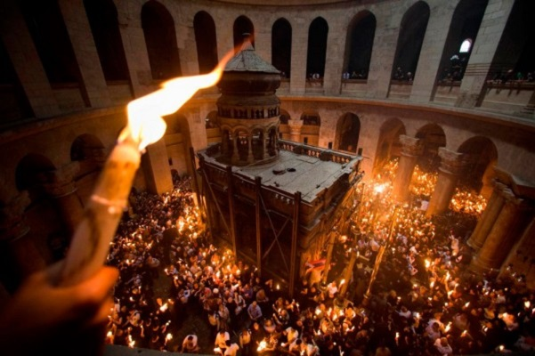 Чуварот на Господовиот гроб ја откри најголемата тајна, како слегува Благодетниот оган во Ерусалим