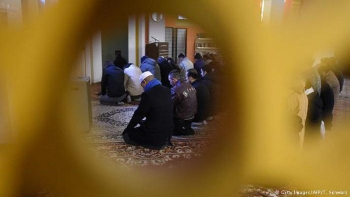 Германија следи 90 сомнителни Џамии
