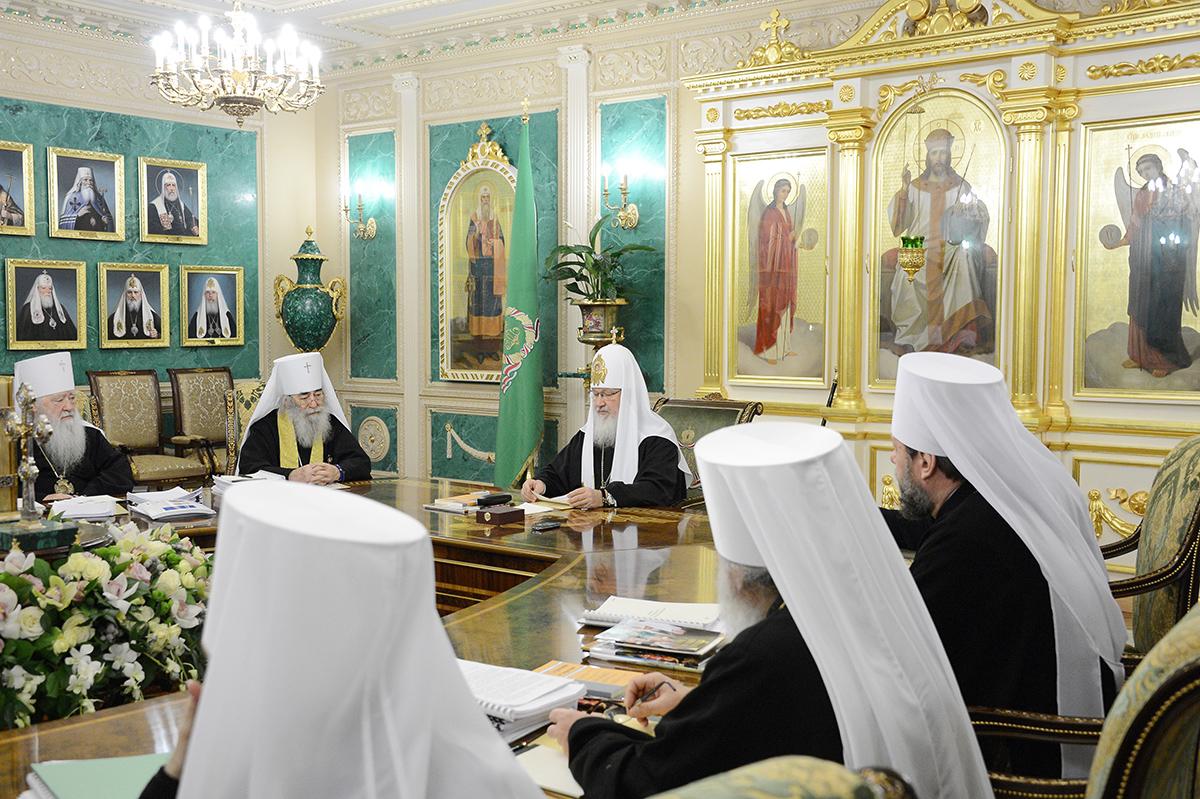 Руската црква му се закани на грчкиот Архиепископ