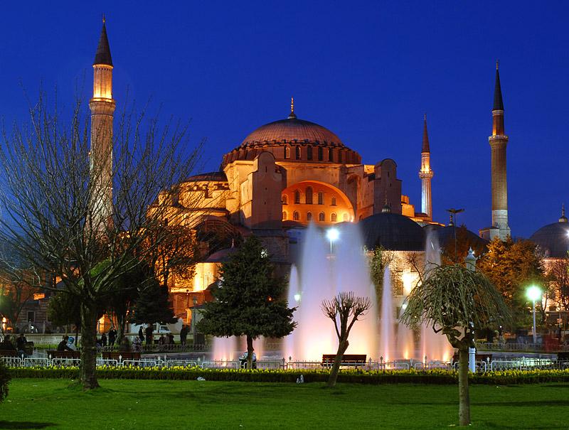 """Државниот совет на Турција денеска одлучува дали """"Света Софија"""" ќе стане џамија"""