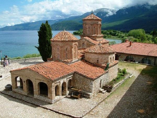 В сабота и недела голема прослава за Свети Наум во Манастирот во Охрид