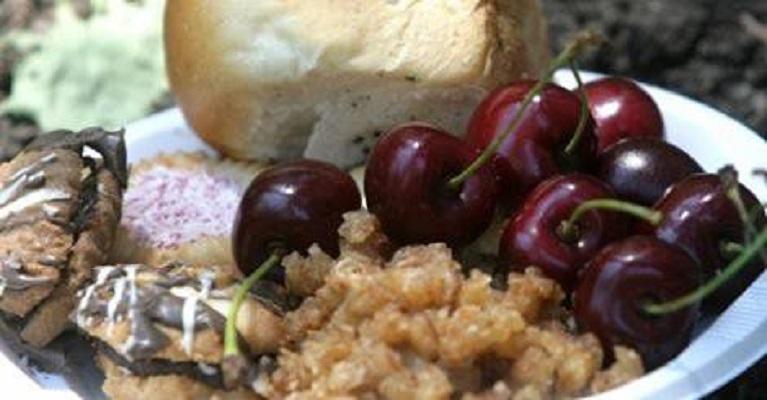 Свештениците апелираат да се престане со суеверијата за задушница и Духовден