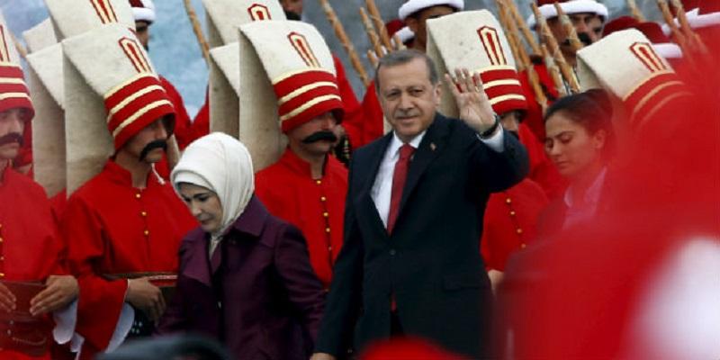 Танцот на Ердоган со радикализмот: Дали Турција лизга кон екстремниот ислам?