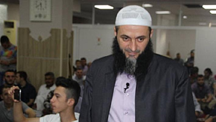 ДНЕВНИК: Судирот меѓу Реисот Реџепи и имамот Бајрами е отвори фронт на ИВЗ со текфирите
