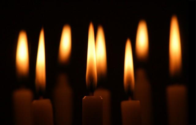 Задушницата е за починатите, Духовден е роденденот на црквата
