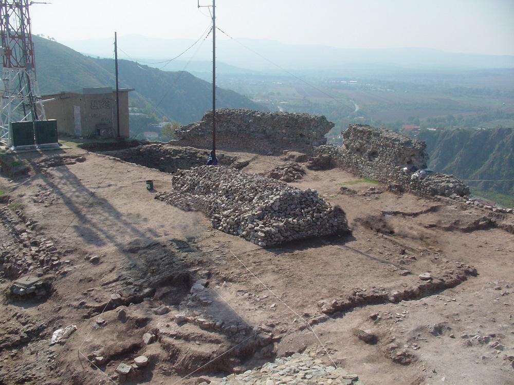 Јужна половина од акропол и еднокорабна црква