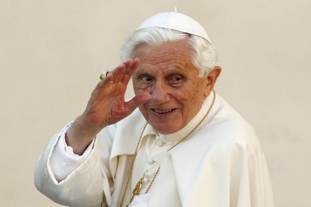 Екс Папата Бенедикт XVI откри зошто се повлекол од папскиот трон