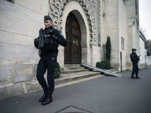 policija francija