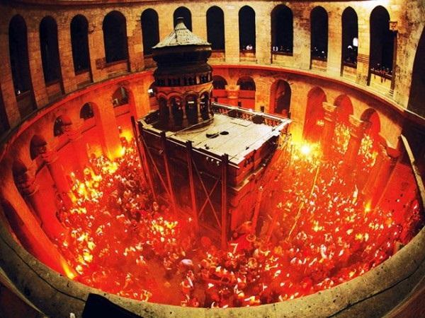 Благодатниот оган – Чудо на Христовиот гроб – I дел