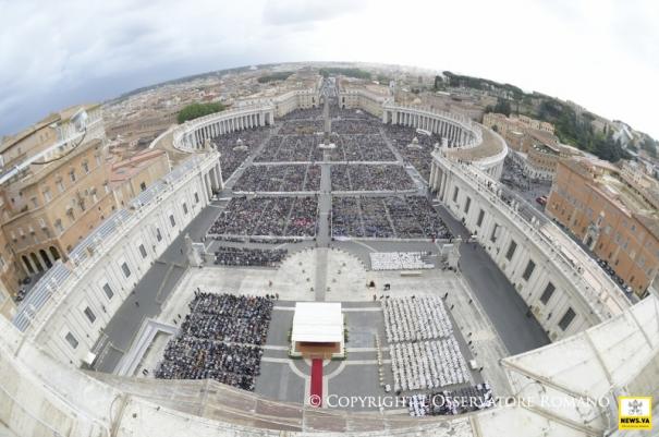 Ватикан покажа голема почит кон Македонија, Бискупот Киро Стојанов служеше со Папата Франциск