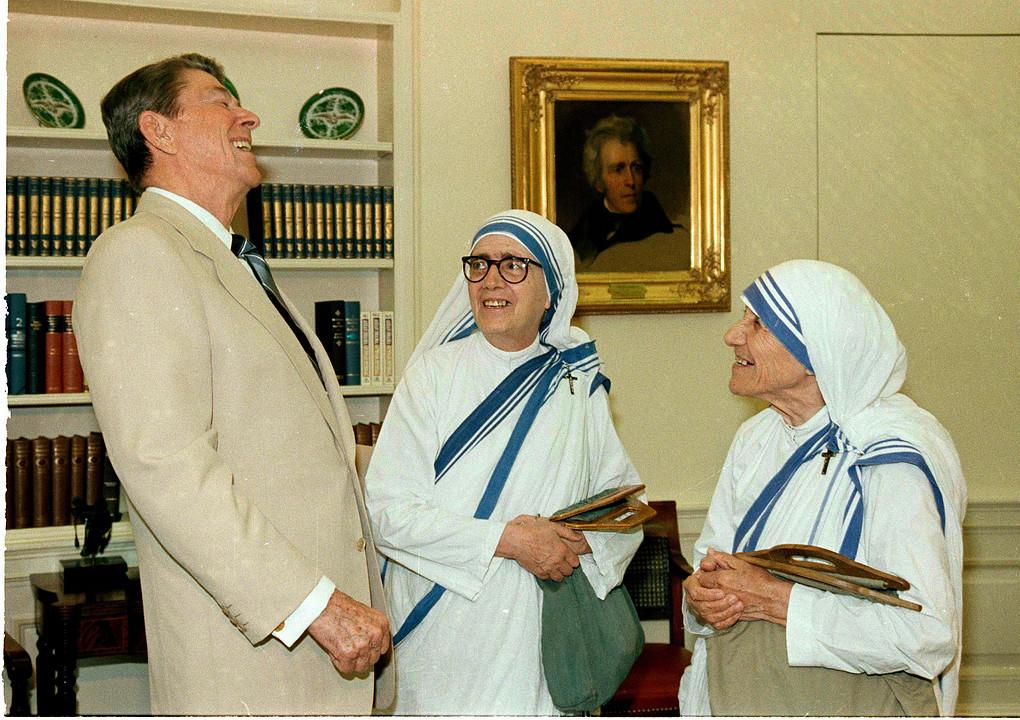 Средбите на Мајка Тереза во САД