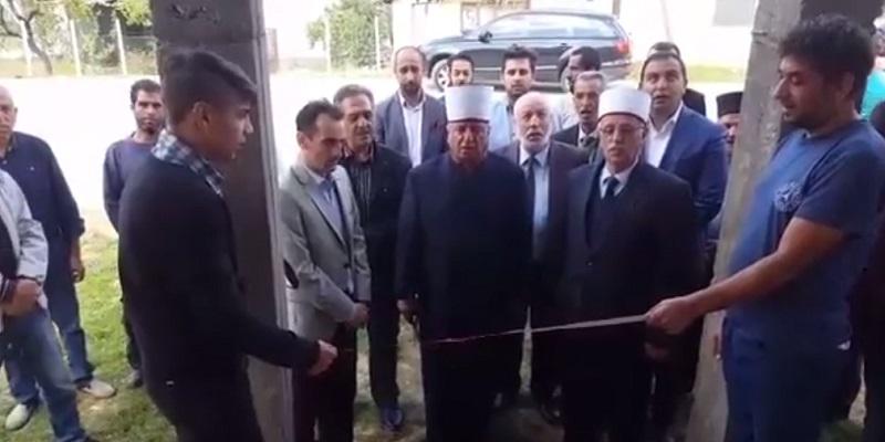 Поглаварот Реџепи ја отвори џамијата во Тработивиште