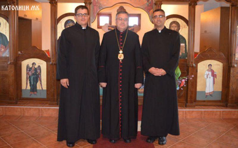 Бискупот Стојанов именува парохиски викар во Струмица