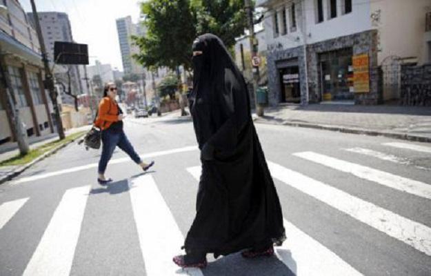 Бугарија забрани носење бурка на јавни места
