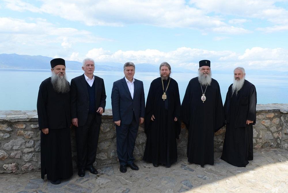 Македонските владици задоволни од средбата со викарот на Патријархот Кирил