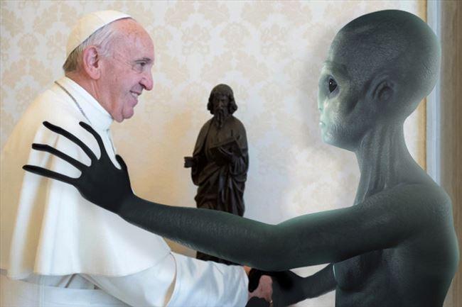 """Викиликс открива дека и Папата знае за """"нашите браќа"""" во вселената"""