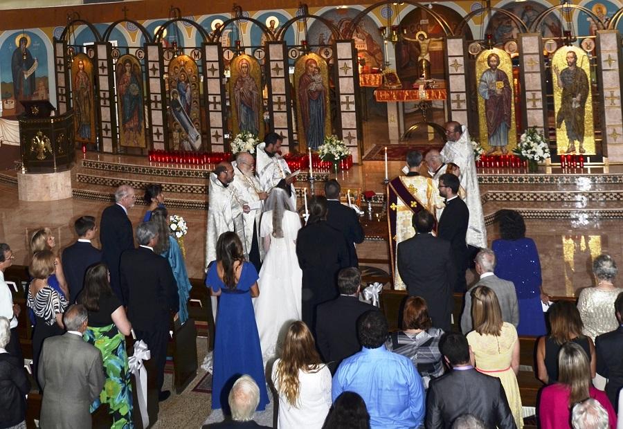 На грчките свештеници во САД им е забрането да наплатуваат крштевки, венчавки и опела