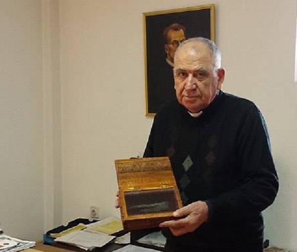 Два прста на отец Кирил Аврамчев нераспаднати по 35 години носат знак на светоста