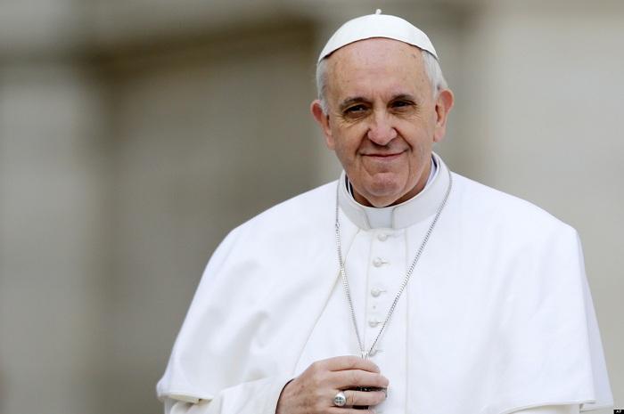 Папата ги повика жителите на римско предградие, кое е под влијание на мафијата, да бидат храбри