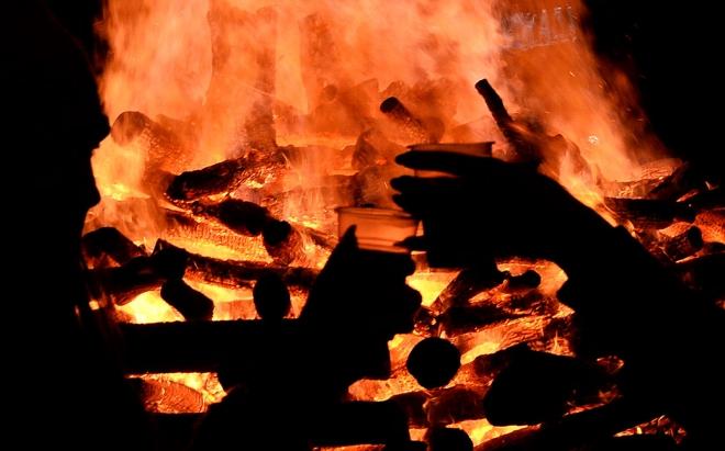 Владата, МПЦ-ОА и градот Скопје повикаа вечерва граѓаните да не палат бадникови огнови