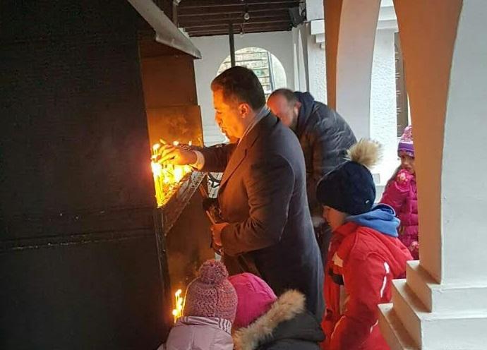 Груевски за Божиќ во црквата Света Петка