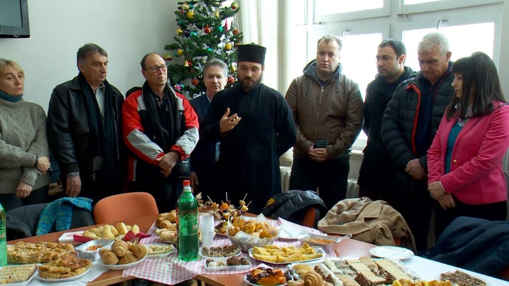 """Мултиетничко чествување на Бадник во СОУ """"Перо Наков"""" (фото)"""