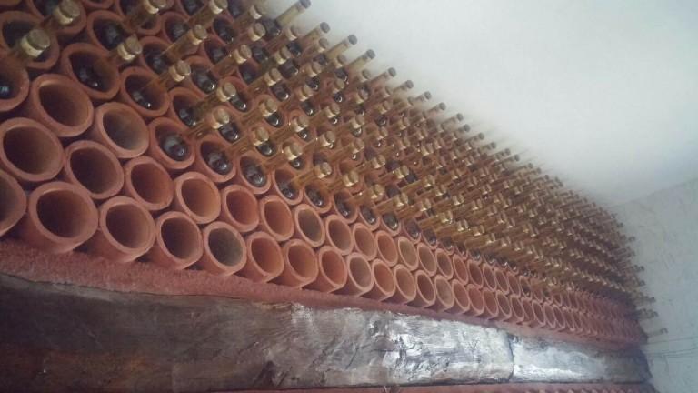 Над 600 литри алкохол запленети од манастири на бугарската црква