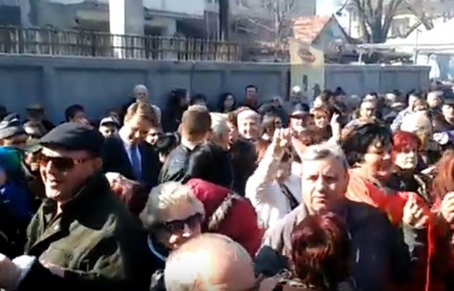 Амбасадорот на ЕУ заигра оро за Свети Трифун