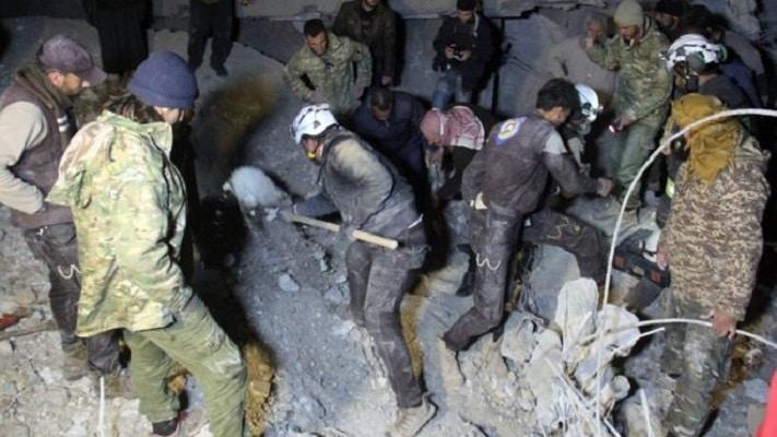 Најмалку 42 лица загинаа во напад врз џамија