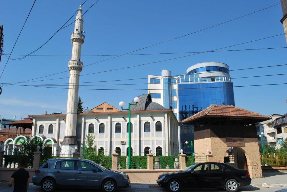Реакции за инцидентот со џамијата во Гостивар