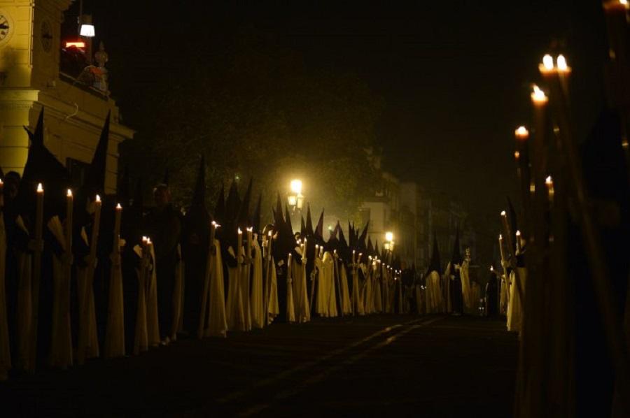 Penitents of the 'La Esperanza de Triana