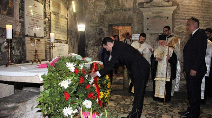Македонска делегација на молебен на гробот на Св. Кирил во Рим