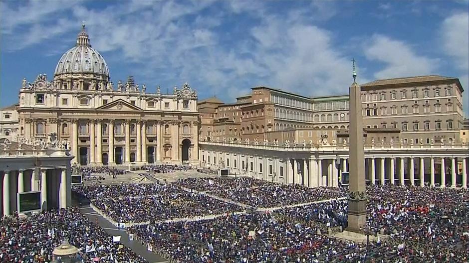 Терористите му се закануваат на Ватикан