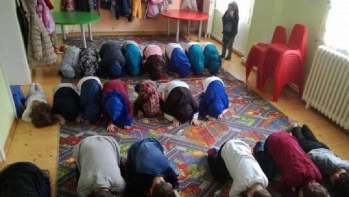 Верски обреди во градика во Скопје  ИВЗ реагира