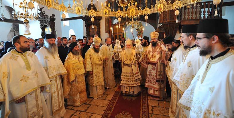 Грчки хор со благослов на атинскиот архиепископ вечерва пее во Бигорскиот Манастир