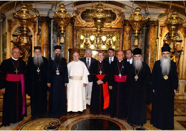 СПЦ и Католичката црква не се договорија, за Степинац ќе пресече Папата