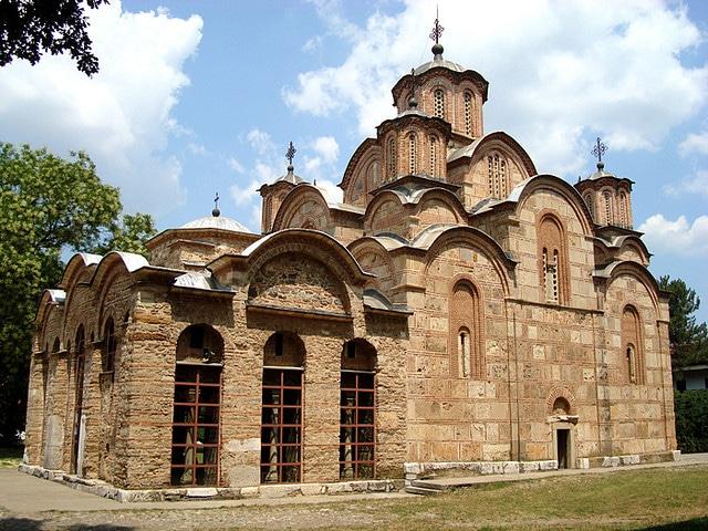 Дачиќ бара СПЦ на Косово да добие статус како Света Гора во Грција